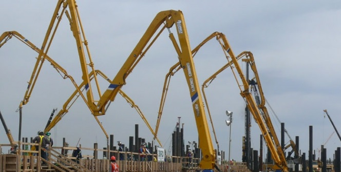All Construction Equipments Tower Cranes Hoists Placing